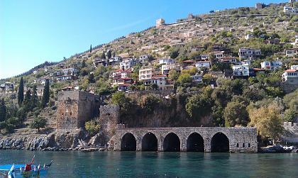 Нажмите на изображение для увеличения Название: Турецкая крепость в Аланьи.jpg Просмотров: 184 Размер:100.2 Кб ID:45