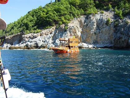 Нажмите на изображение для увеличения Название: Прогулочный корабль в Турции.jpg Просмотров: 189 Размер:99.7 Кб ID:48