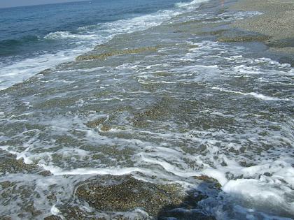 Нажмите на изображение для увеличения Название: Берег моря в Турции.jpg Просмотров: 189 Размер:97.2 Кб ID:40